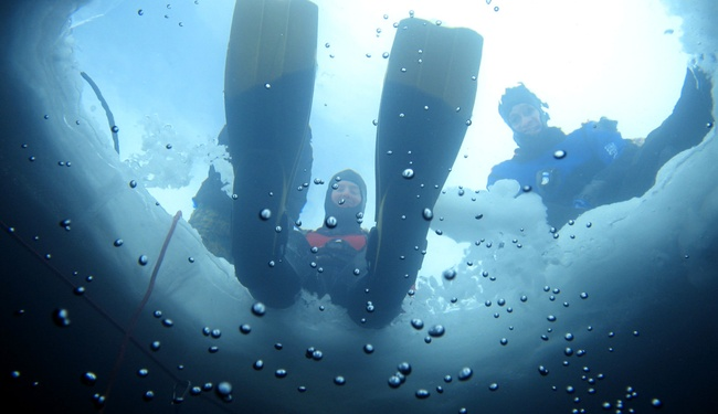 Ice diving in Tignes