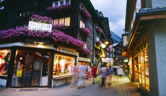 Zermatt Resort Centre - Copyright Alex Buschor